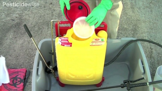 Pesticide wise | Cleaning Your Knapsack Sprayer